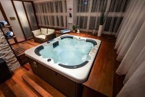 AMINA Lounge   Jacuzzi